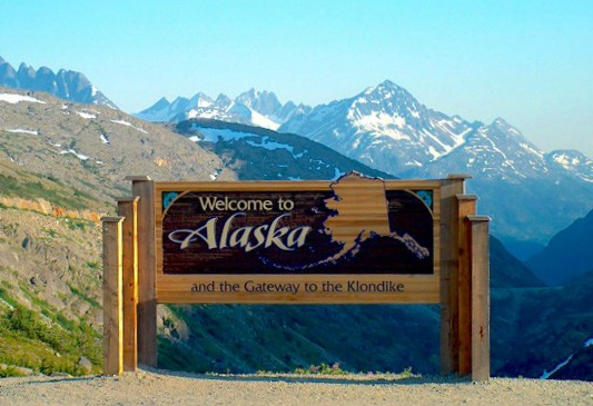Alaska Highway Roadtrip #alcanhighway #alaskahighway #roadtrip #canada #alaska #roadtrip pebblepirouette.com