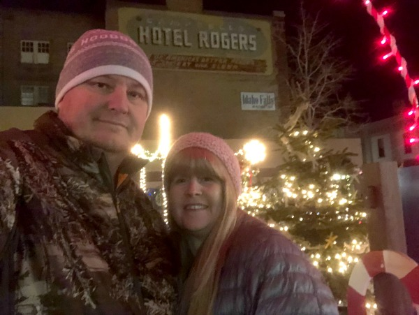 Viewing Christmas Lights in Idaho Falls #Christmas #Christmaslights #Idaho #IdahoFalls #VillasDowntownLoft #HistoricDowntownIdahoFalls